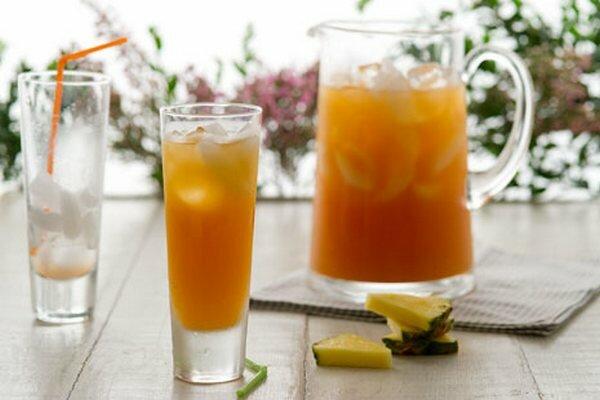 Бодрящий коктейль «Джунгли»Рецепт. сок апельсиновый 200 мл, имбирь свежий 20 г, банан 1 шт....