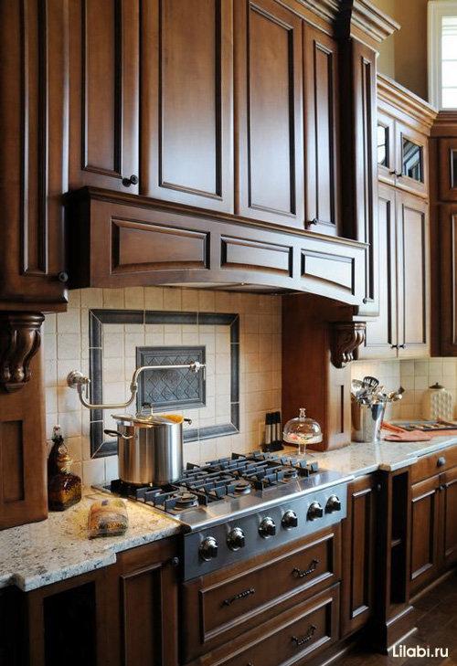 Венге является редкой и очень ценной породой древесины