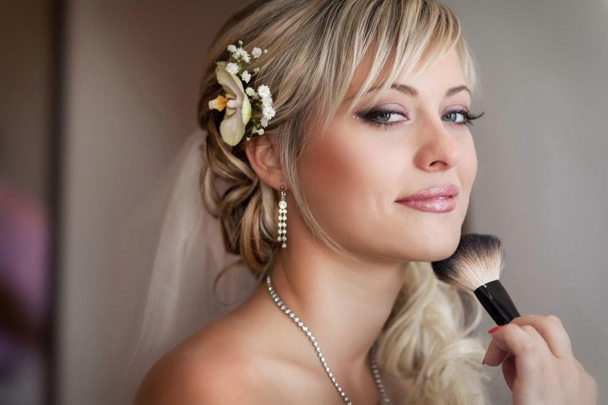 Готовя свадьбу, каждая невеста рано или поздно доходит до вопроса макияжа.  Начнем с того 5fb60c25d24