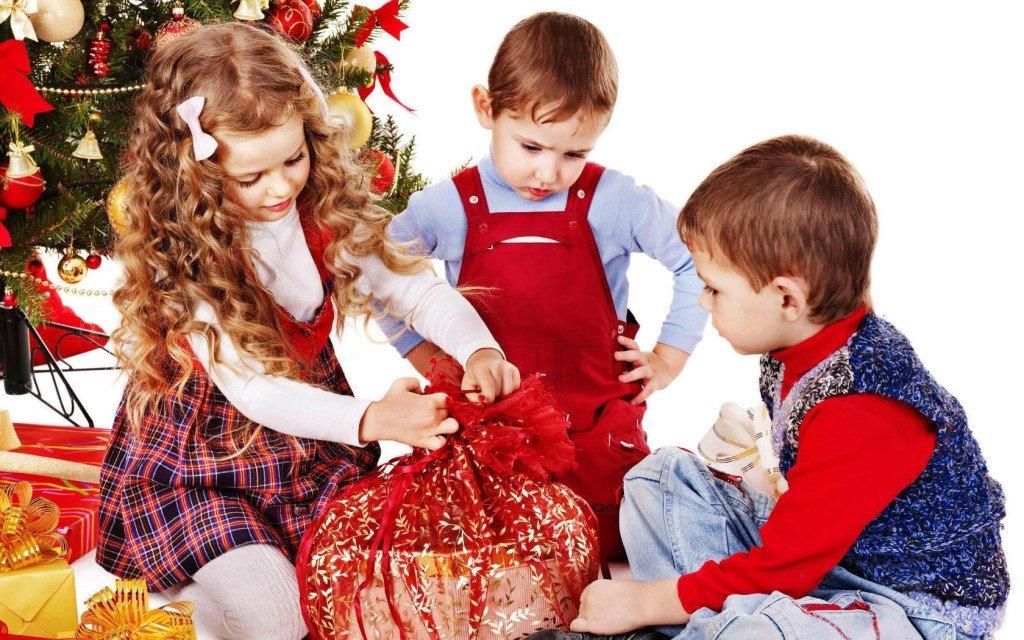 Детки в новогодние картинки