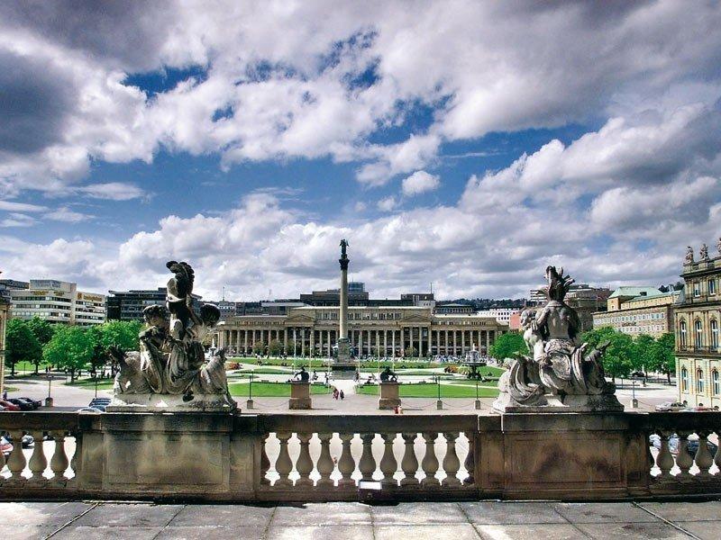город Штутгарт, вид с балкона в центре