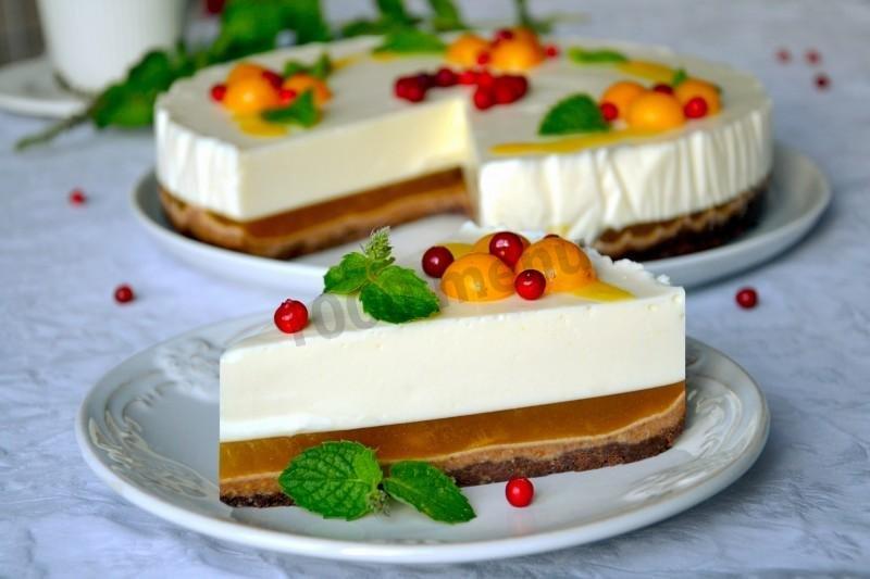 Торт с творогом и желе без выпечки из печенья