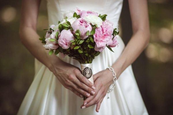 Свадебный букет невесты является своеобразным сообщением о чувствах и желаниях будущего мужа.