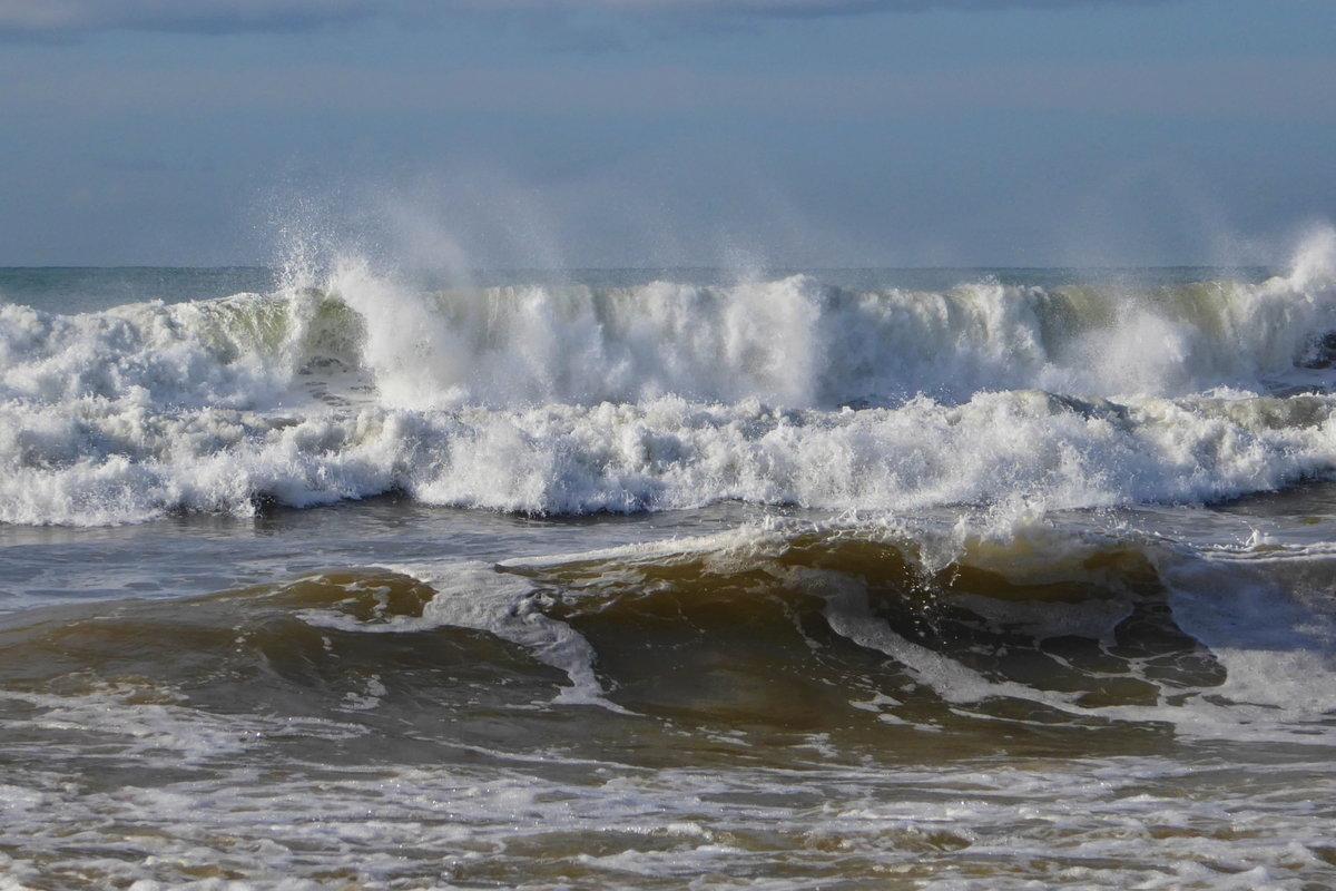 Черное море шторм фото в сочи том