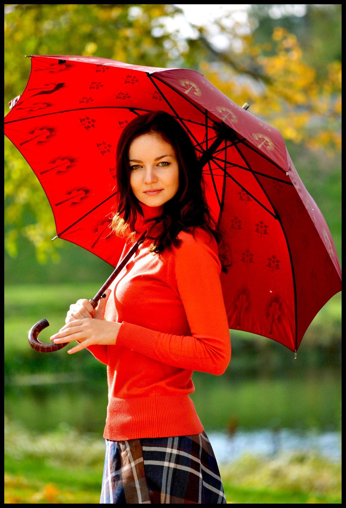 Девушка с зонтом фото