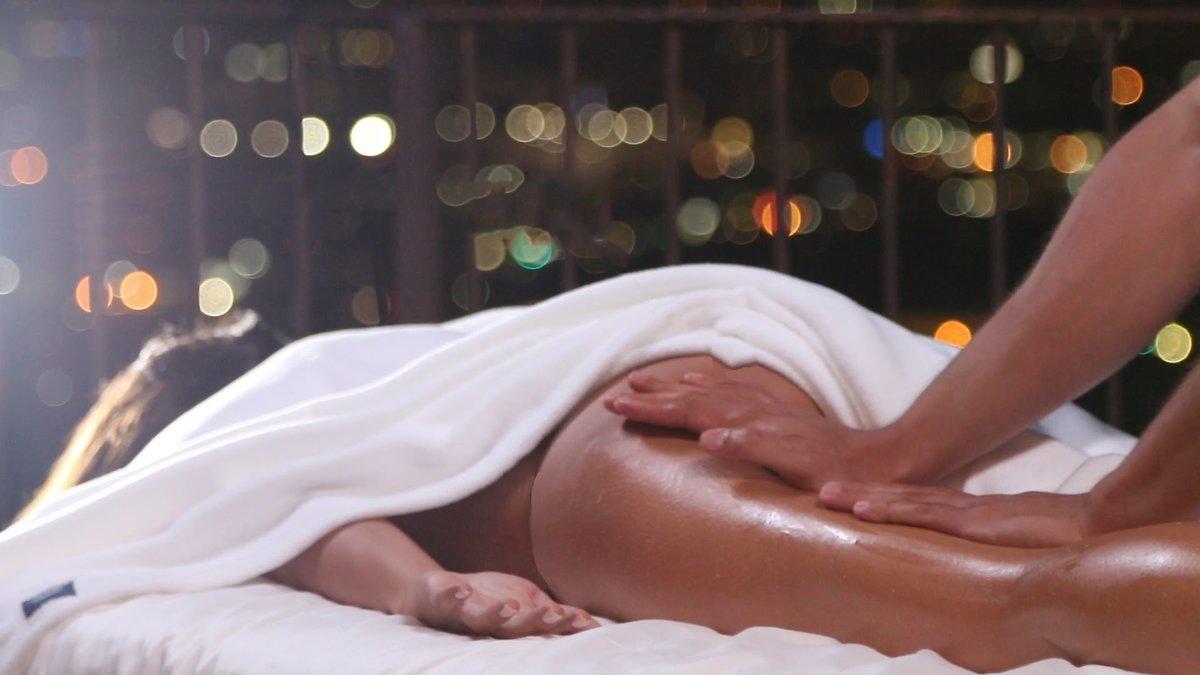 Порно если моя девушка делает массаж подруге что это означает дикая африка золотой