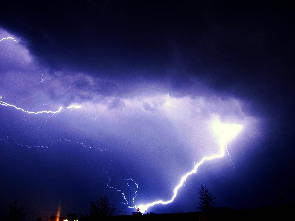 сентябре картинки молния и свет в ночи сфинкс может