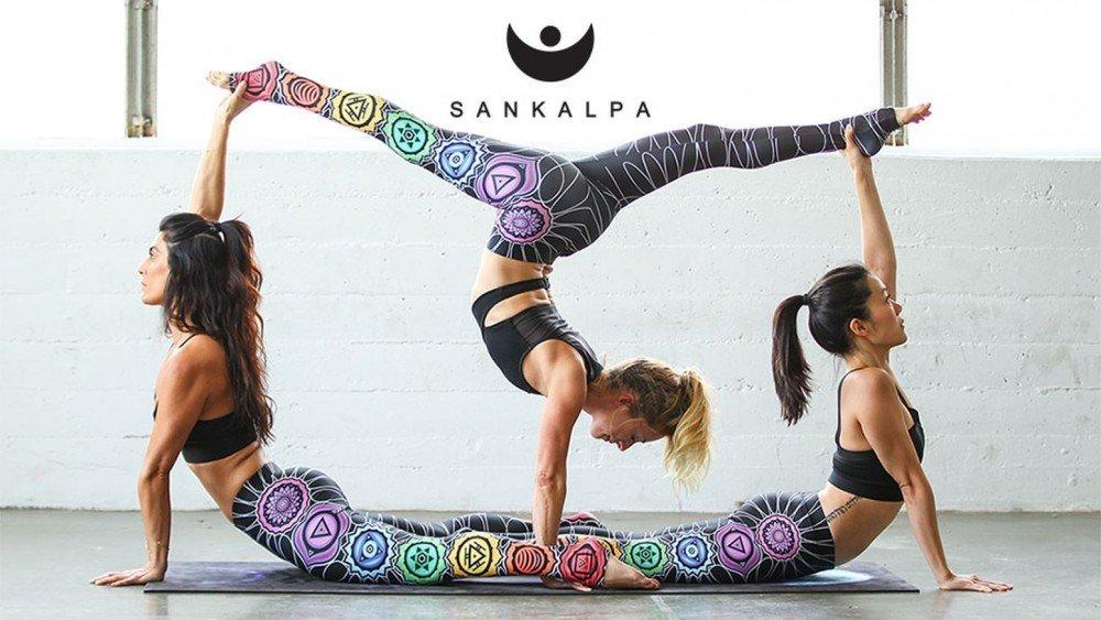 Йога челлендж для троих фото объятьях