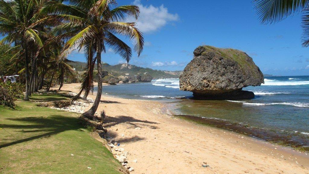 фото пляжей барбадоса далеко