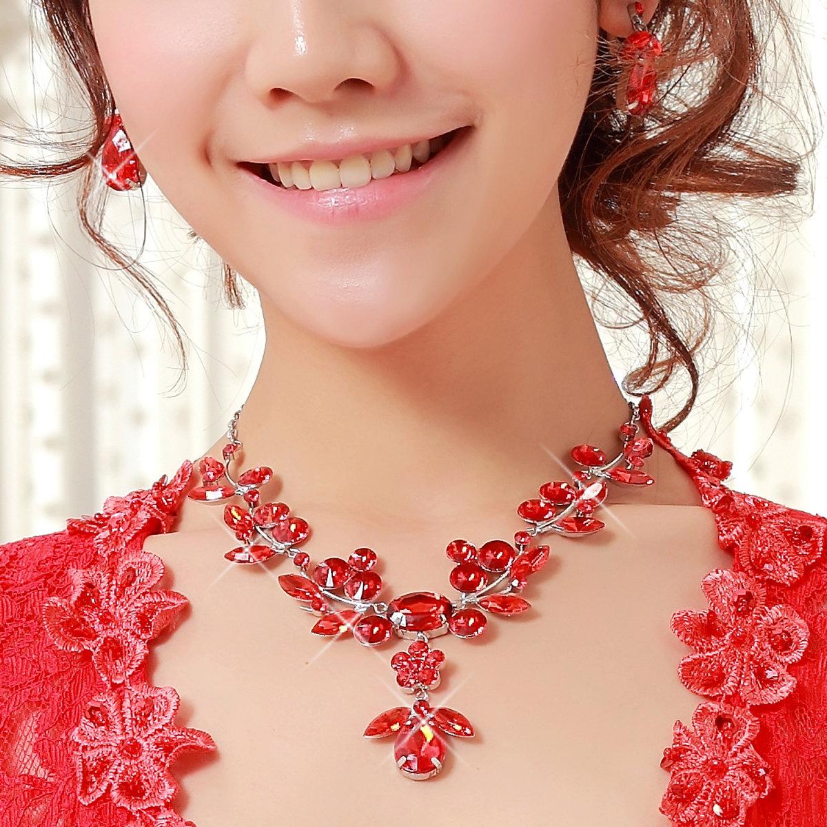 Картинка с ожерельем
