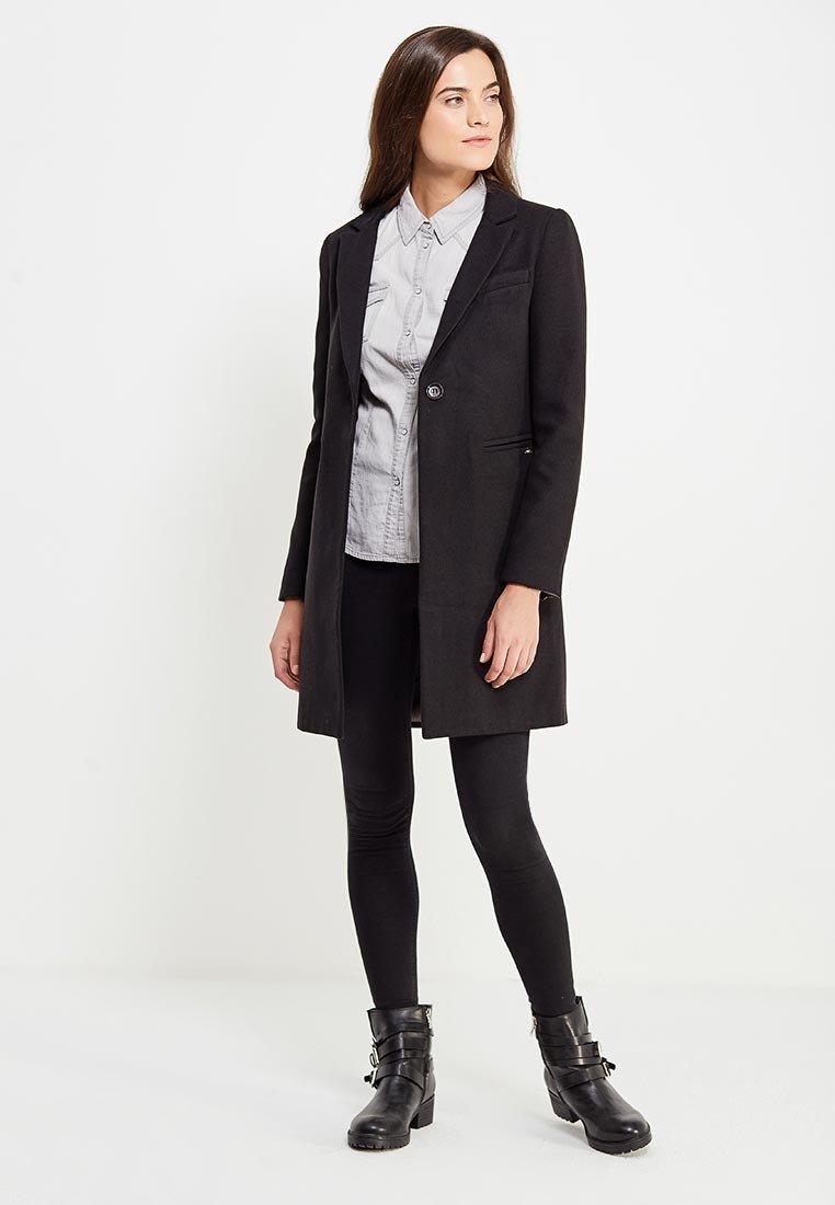 картинки черного пальто
