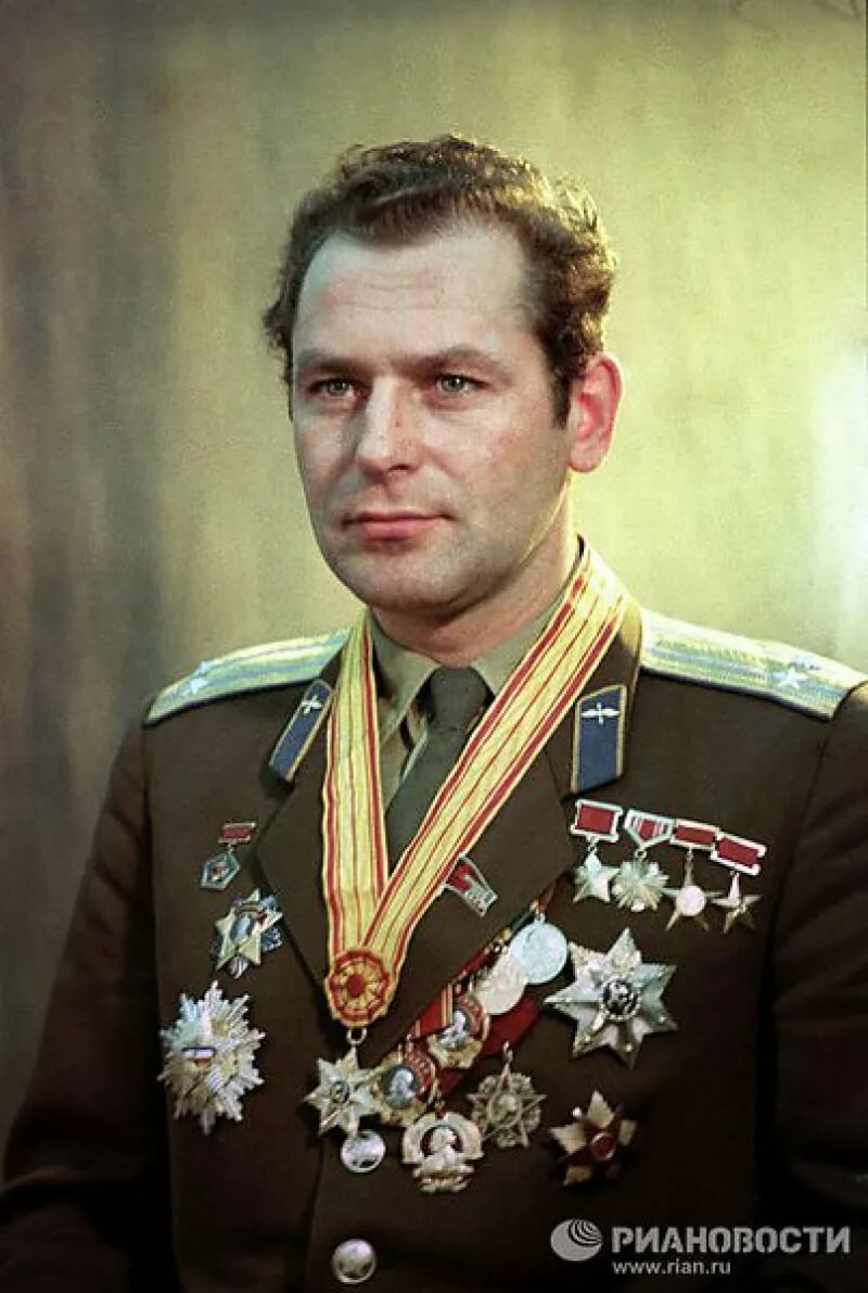 Фото космонавта титова ярославле