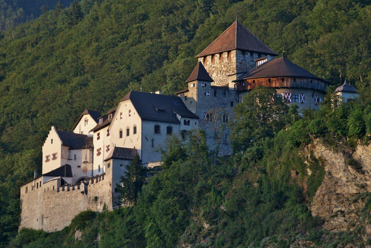таким достопримечательности лихтенштейна фото и описание патологически