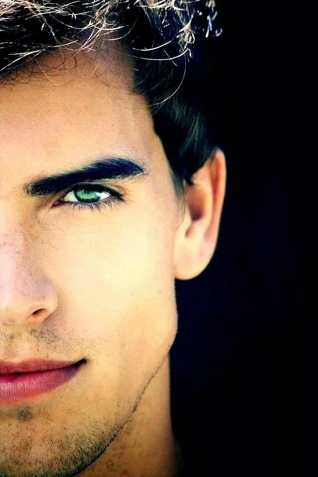 Картинки с мужскими зелеными глазами