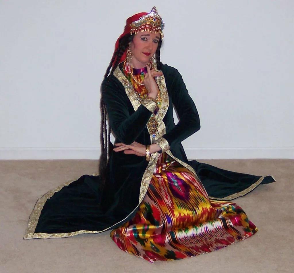 идут картинки узбекистан наряд можно встраивать шкаф