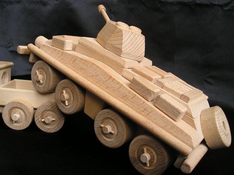 Картинки танков из дерева