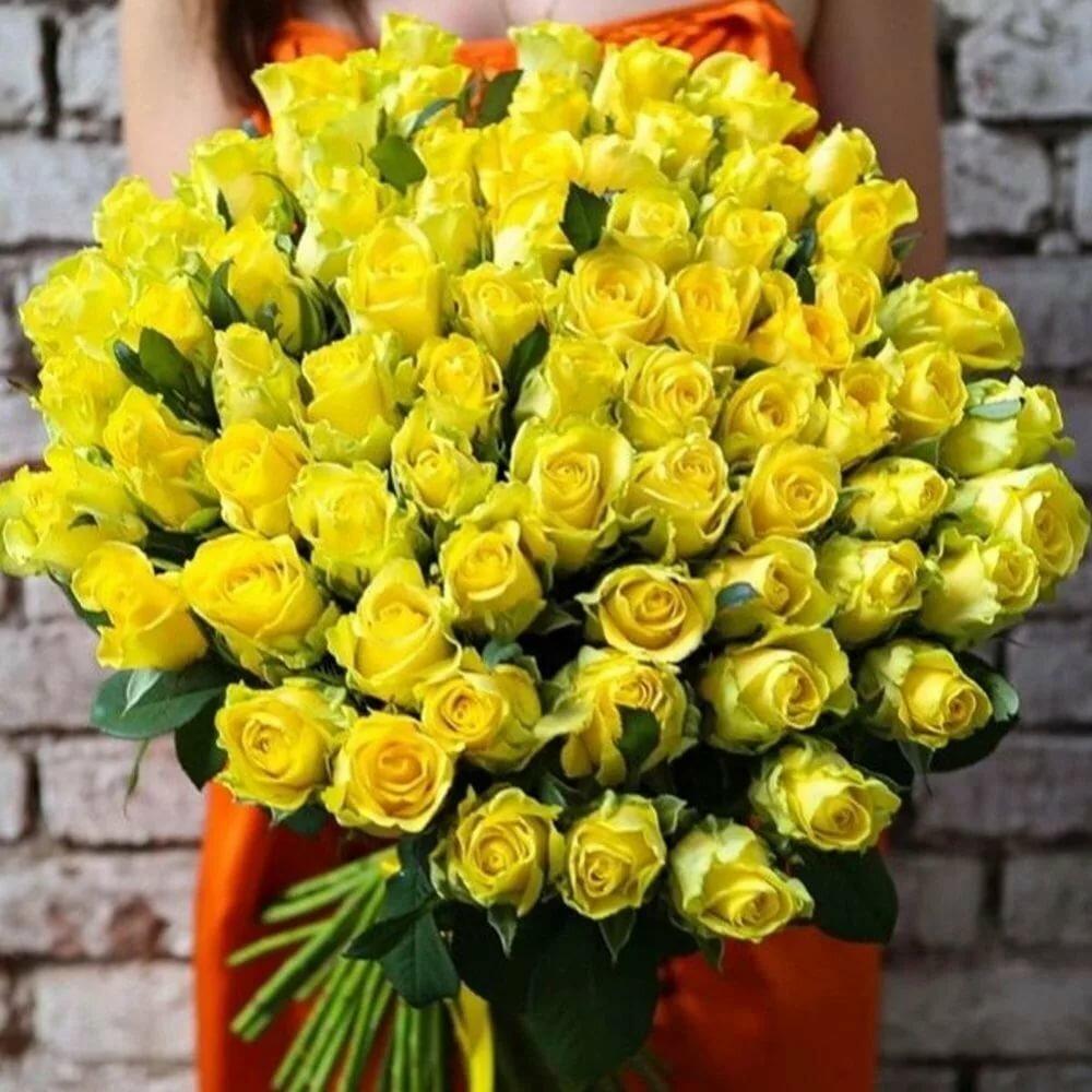 безразлична фото желтые и белые шикарные розы небо картина маслом