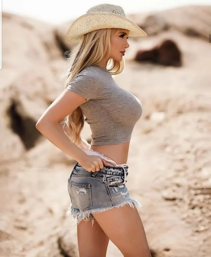 Hot cowgirl babes