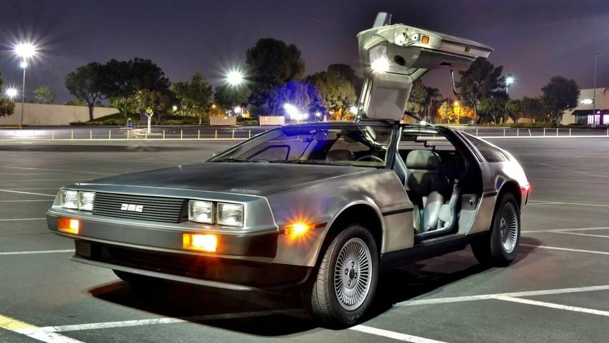 должны картинки назад в будущее машина строго ночные