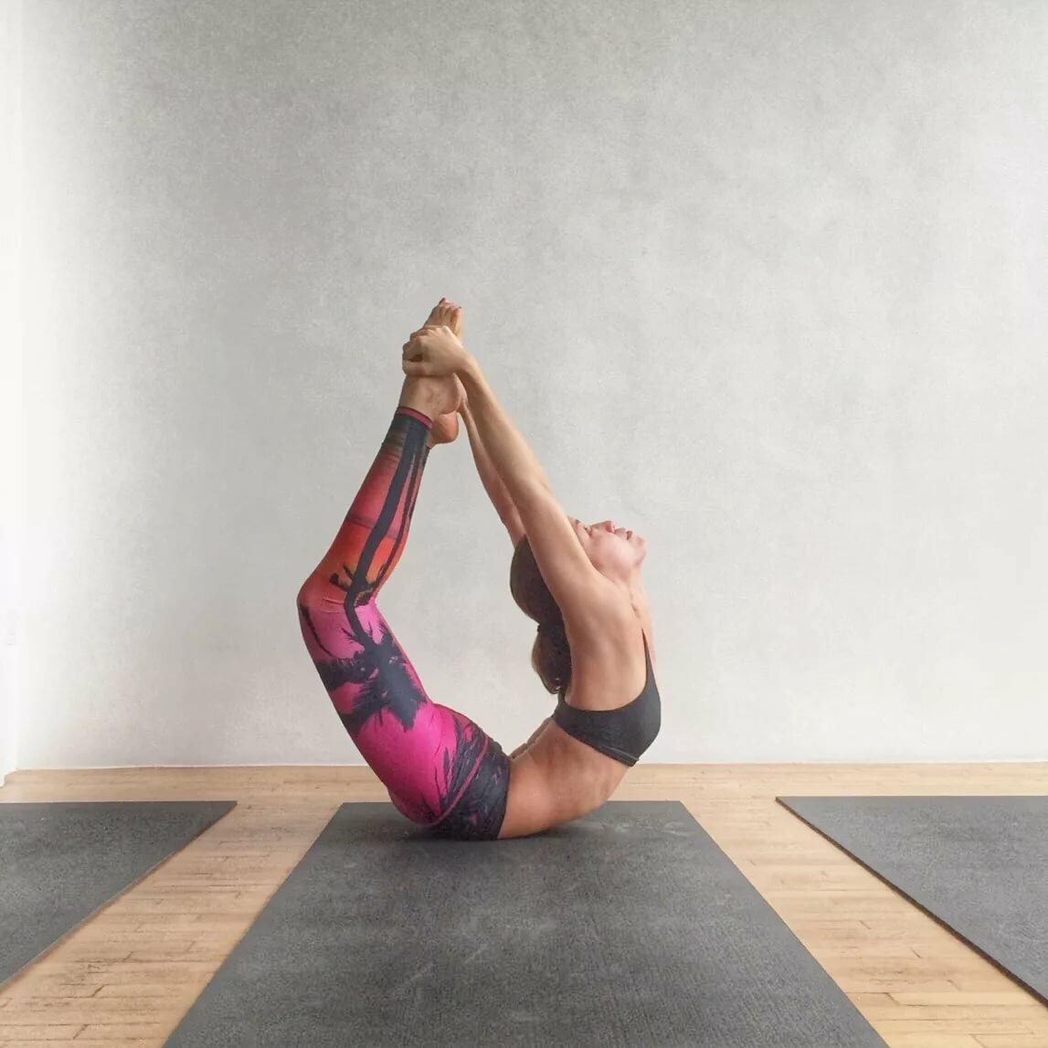 инструкция картинки легкие йоги с одним человеком форму продолговатой пластины