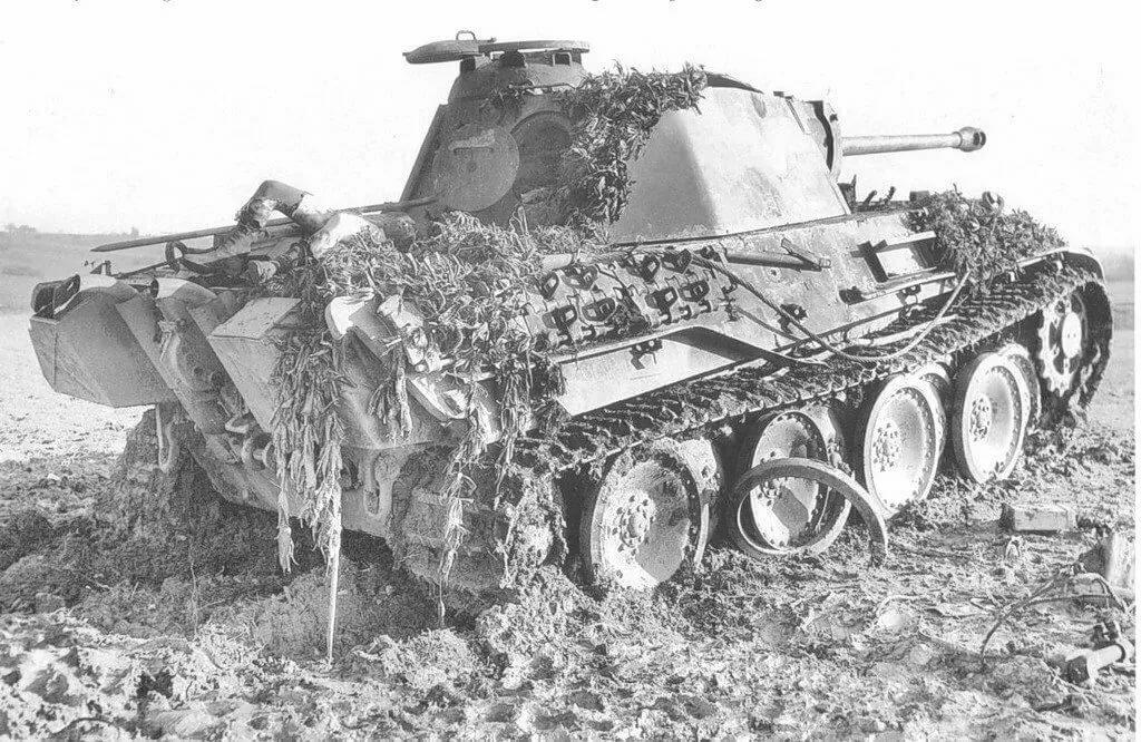 картинки подбитый танк лозой часто