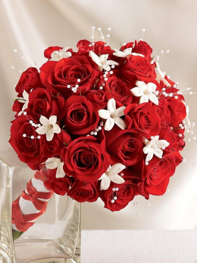Туле доставкой, свадебные букеты в красно-белом цвете