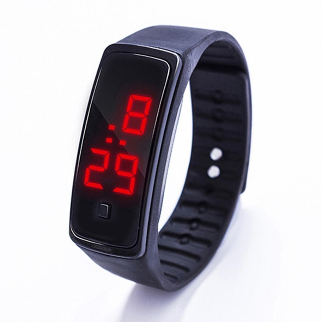Женские электронные часы подходят для неформальных и спортивных образов.