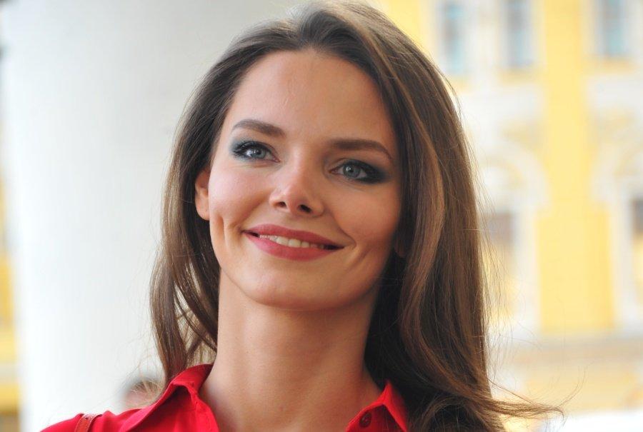 video-domashniy-pokazat-foto-vseh-aktris-rossii-muzhchini