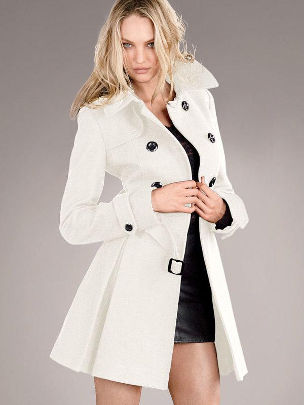 пальто белое на пуговицах фото