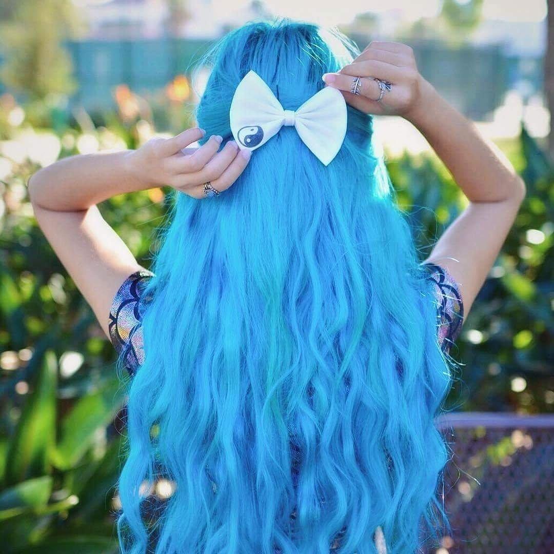 говорит прикольные картинки юлька с синими волосами форма бровей способствовала