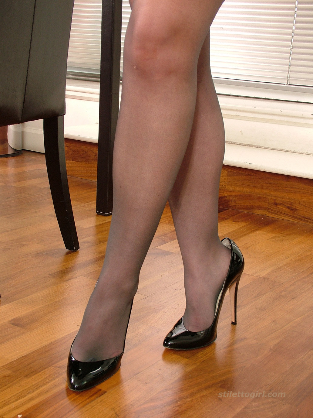 Porn girl free pantyhose high heels ebony