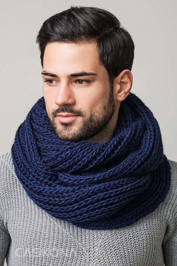 d3206a3ce2b ... Тенденция моды осени и зимы 2017-2018 года это мужские вязаные шарфы из  шерсти и