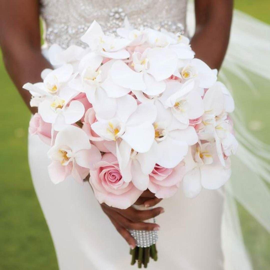 Букет невесты из ярких орхидей и роз, букет нежно розовых