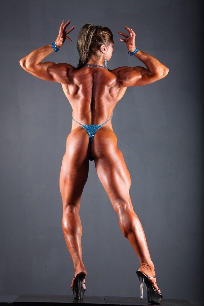 hot-women-body-builder-nude-sucking-neked-boobs