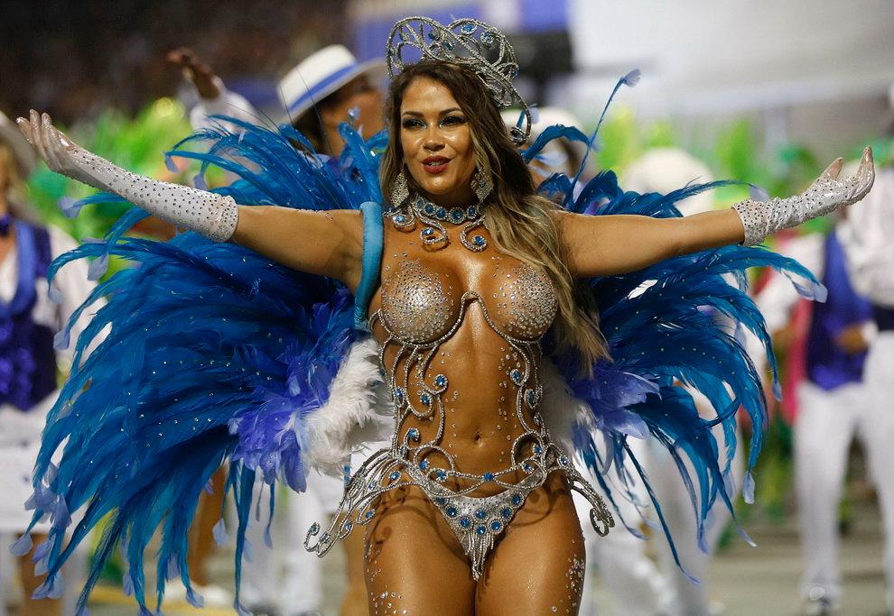 Фото девушек с карнавала в бразилии ебут