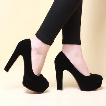 4e4aafb9e Элегантные женские черные замшевые туфли на каблуке.» — карточка ...