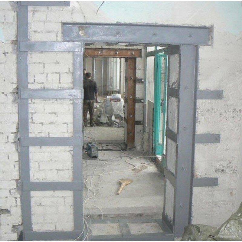 Укрепление двери стальной перекладиной фото