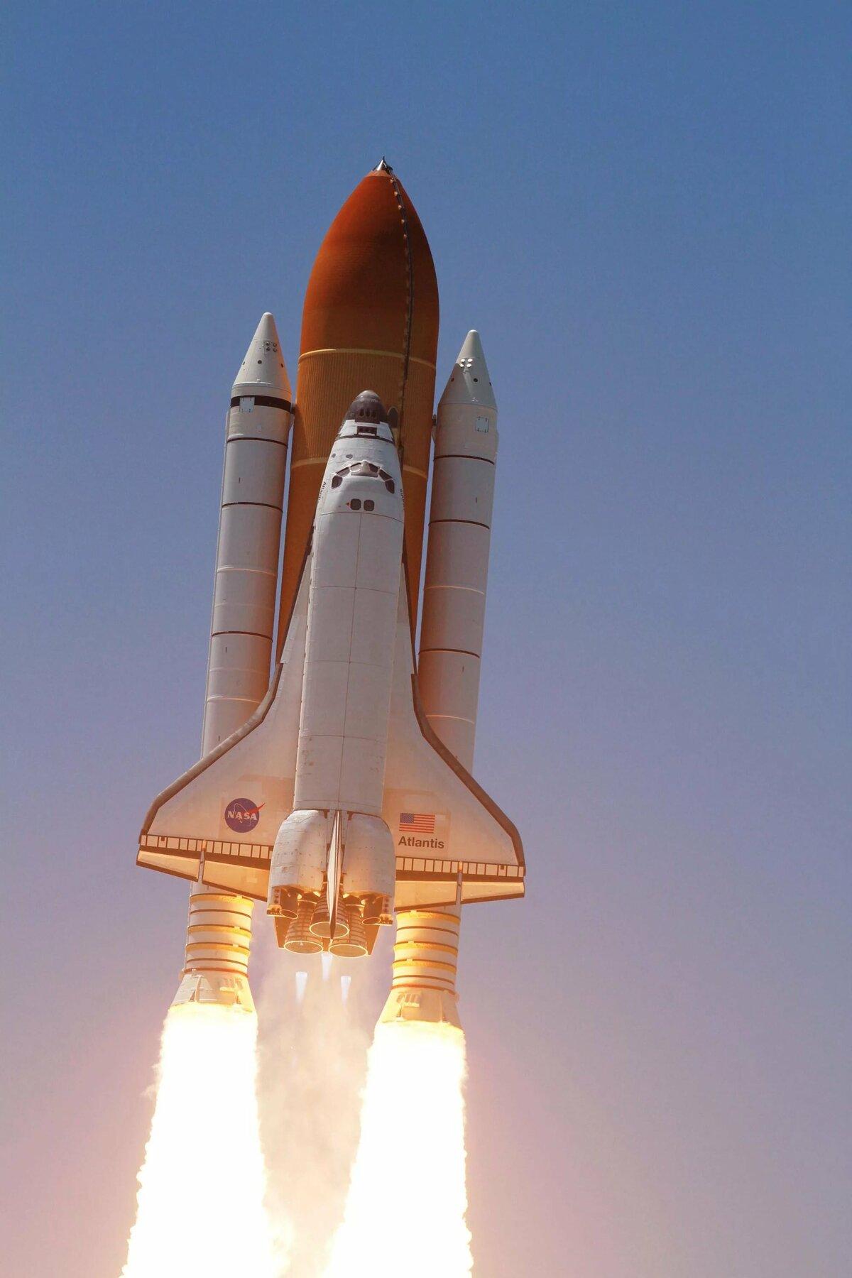 Картинка космический ракеты