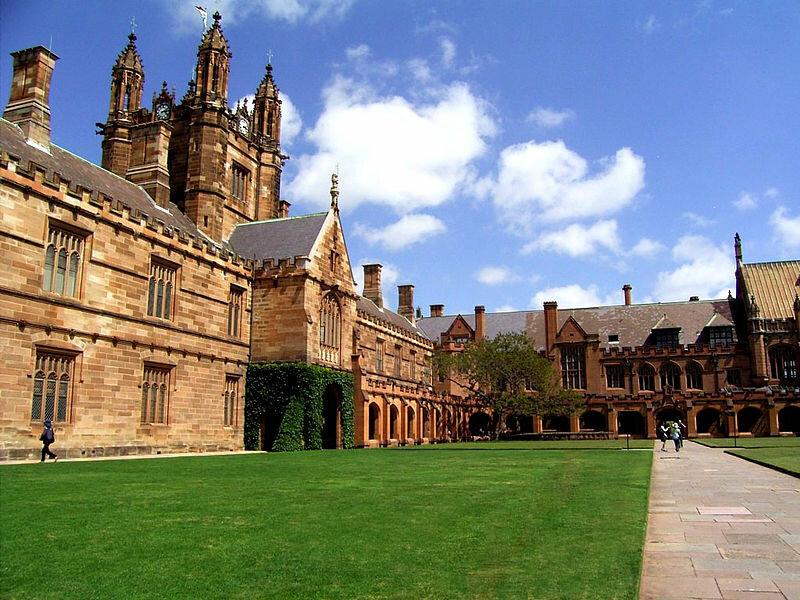 11 октября 1852 года вАвстралии начал работу первый университет