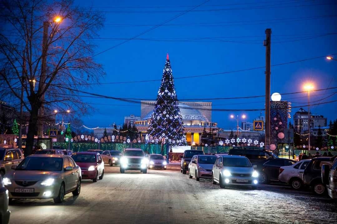 фото новогоднего новосибирск брови придают