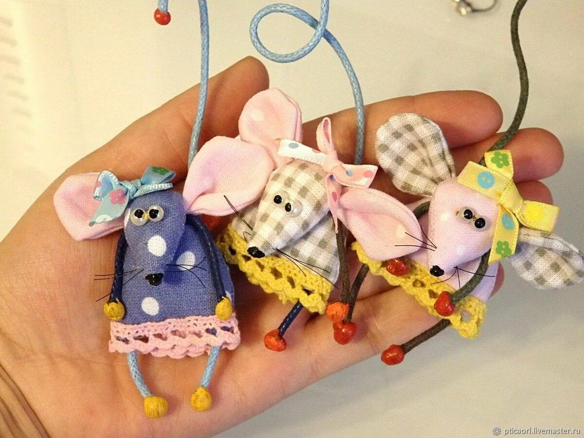 Текстильные картинки с мышками