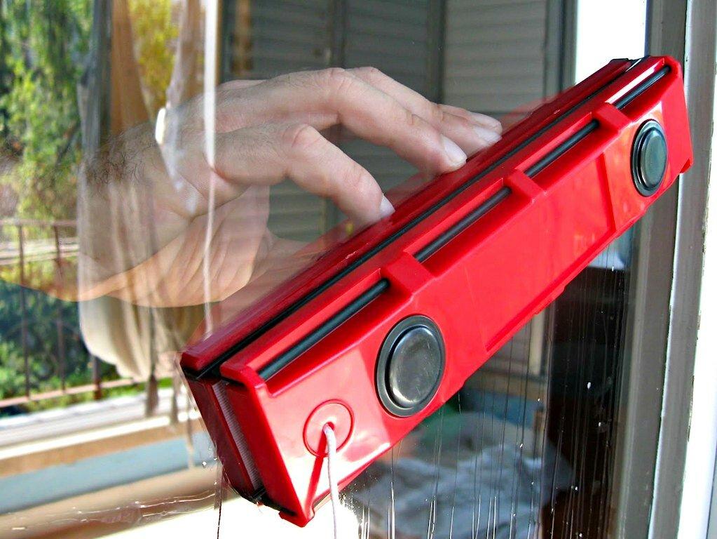 Glider магнитная щетка для окон в Запорожье