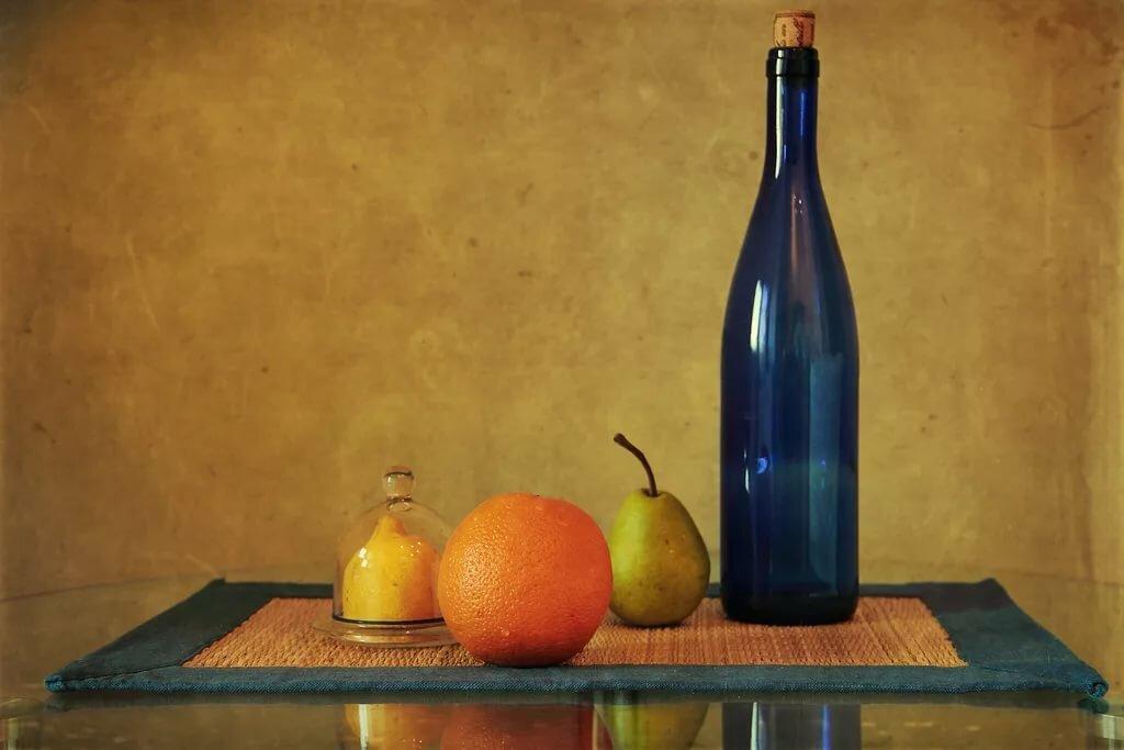 чтобы картинки с натюрмортами с бутылками тут следует отметить