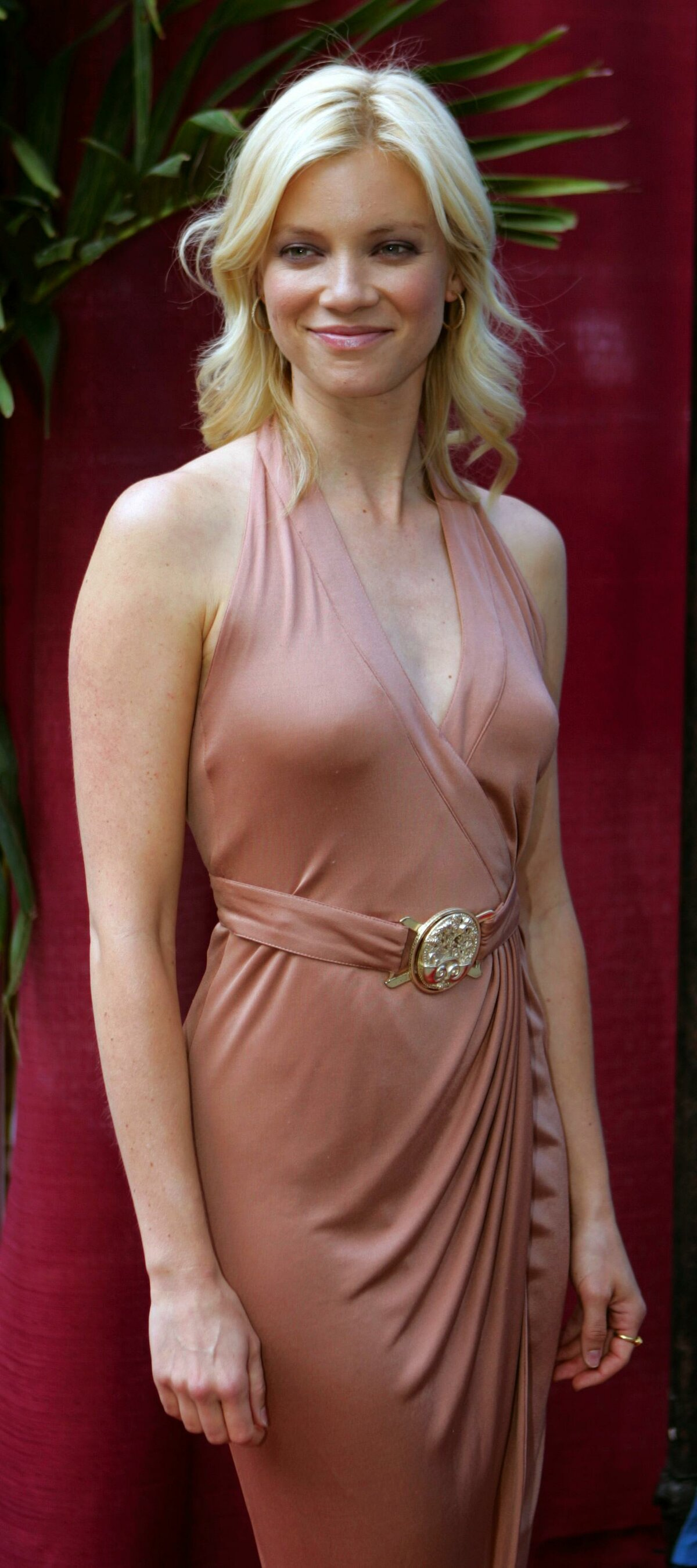 Amy Smart: Every Nude and Sexy Scene