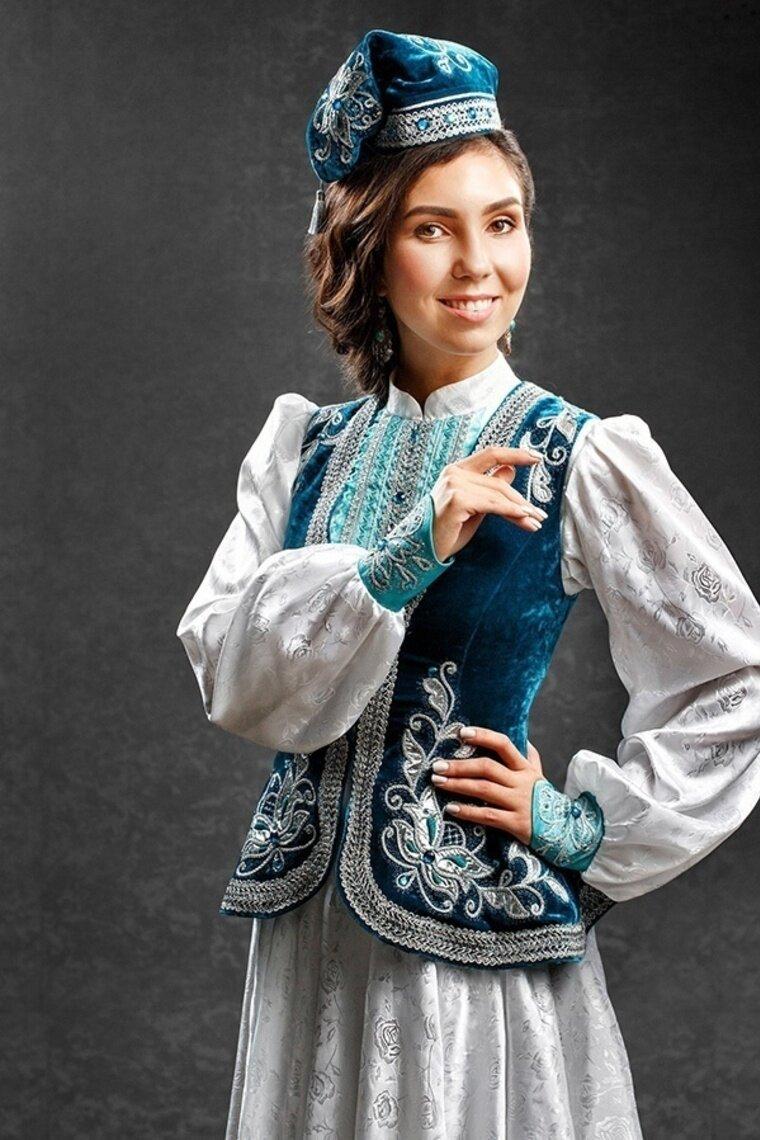 Картинки татарских девушек в национальном костюме