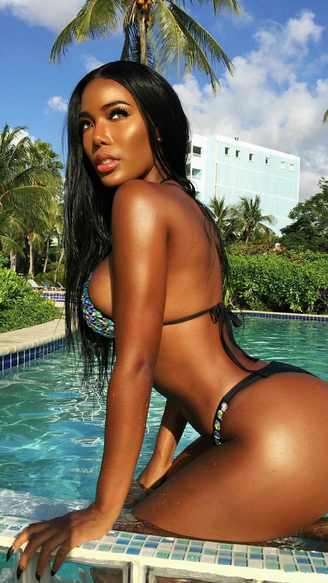 Nude black beauties