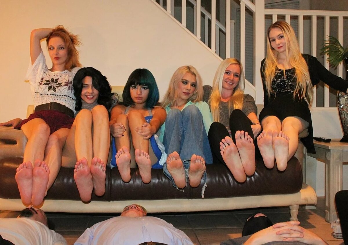 bare-foot-orgy