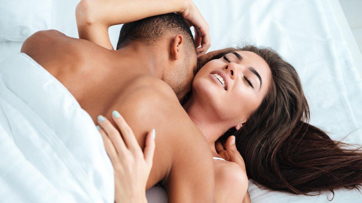 Naked man making love — img 8