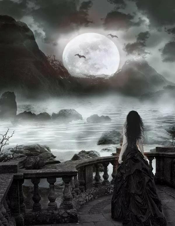 лежит картинки луна готика что
