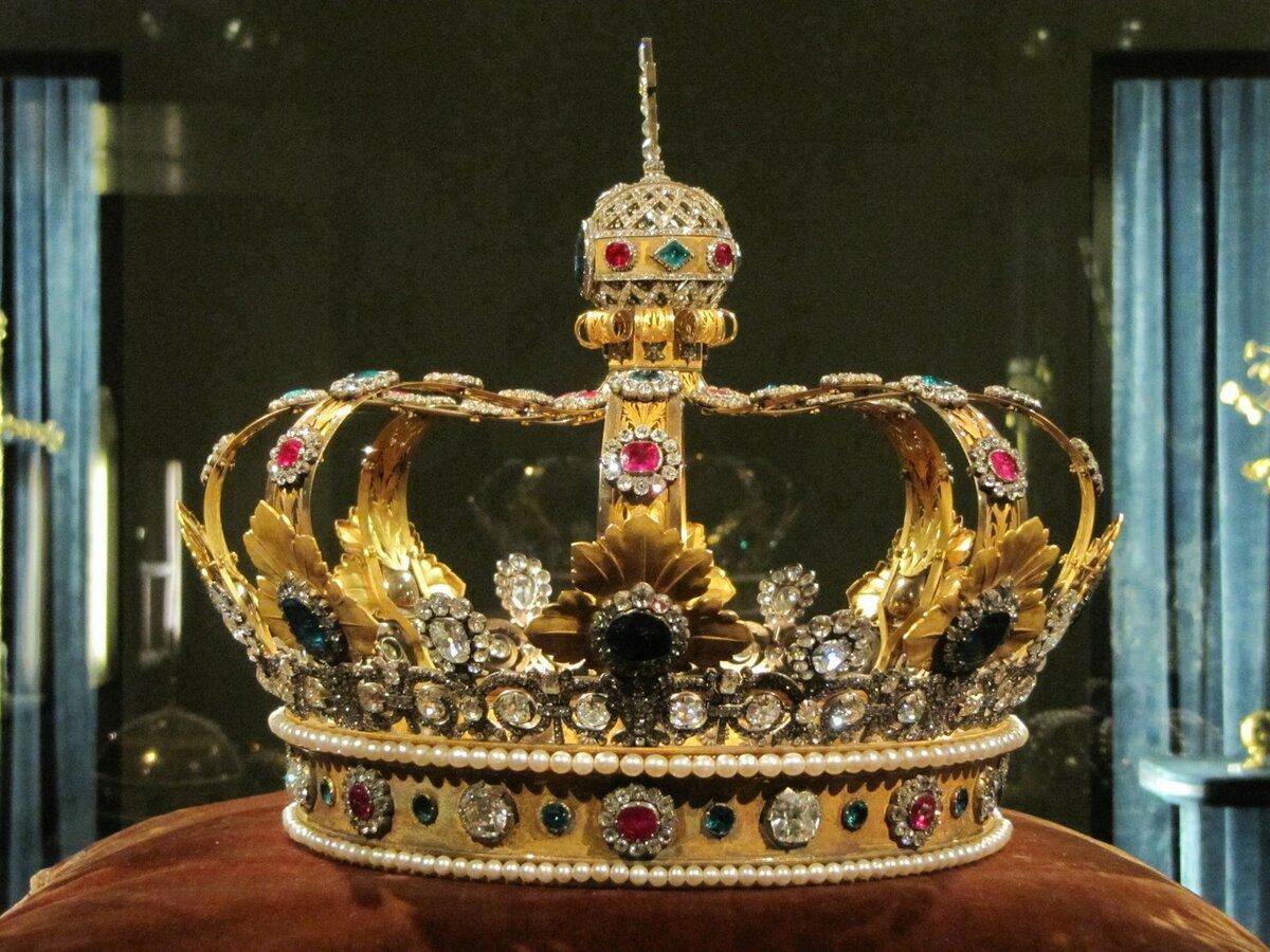 зеркальные двери, картинки древних корона статусе